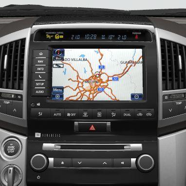 toyota land cruiser v8 multimedia navigationssystem incl. Black Bedroom Furniture Sets. Home Design Ideas