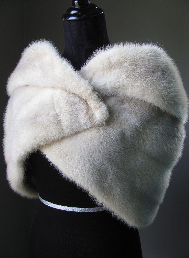 $680 - Ultimate Luxury Gift Or Wedding Bridal Accessories/ Hollywood Starlet Ivory Sandy Silver Mink Cape/ Vintage Mink Fur Stole Shrug Wrap / Grey