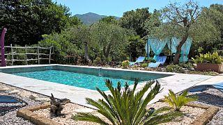 Qualität Wohnung in einer Villa mit Garten und Pool mit Solarheizung