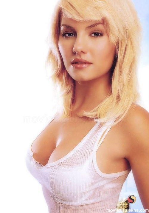 elisha cuthbert #hot #... Jessica Bielawski