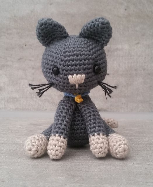 """Kitty the Cat - Free Amigurumi Crochet Pattern - PDF File English Version click """"download"""" here: http://www.ravelry.com/patterns/library/kitty-the-cat"""