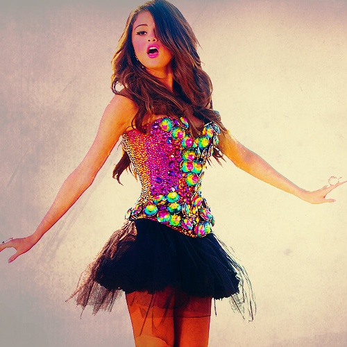 Selena Gomez outfit - @Heather Creswell McLaughlin. you need this for wicked.