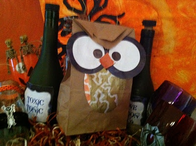how to decorate paper bags for halloween