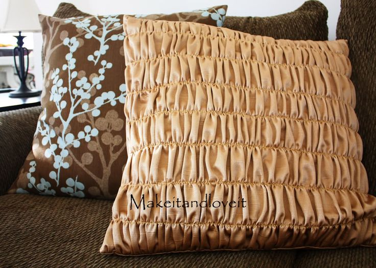 Decorate My Home, Part 3 – Gathered Pillow Covers: Pillows Covers, Gathering Pillows, Pillows Tutorials, Pillows Idea, Cushions Covers, Throw Pillows, Diy'S Pillows, Bedrooms Inspiration, Ruffles Pillows
