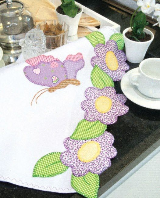 Appliqué scarf or table runner