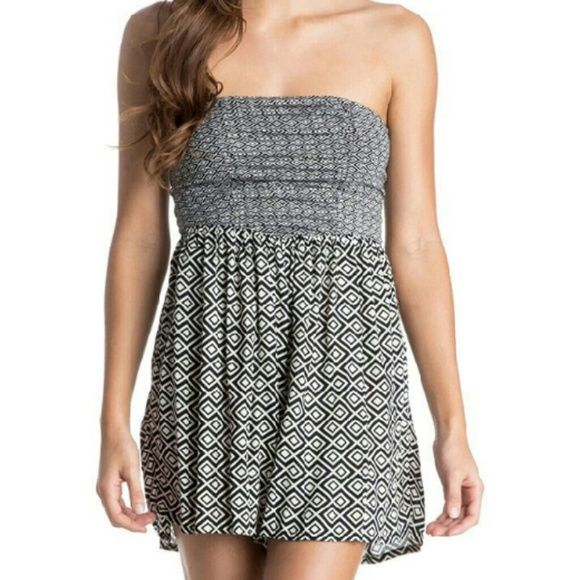 Roxy women's romper NWT Roxy black and white Diamond pattern women's romper. XL in size. Shorts bottom with a hultter top. roxy  Other