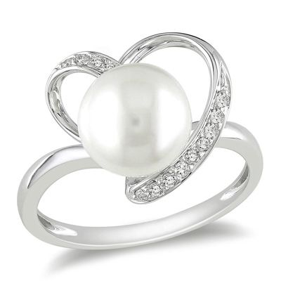 Diamond heart and pearl ring