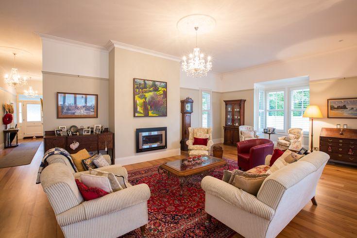 :: Cambridge Villa :: New living area to the rear of the villa