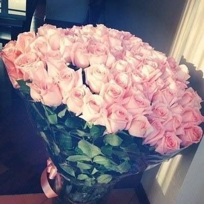 Image via We Heart It #flowers #romantic #roses #love