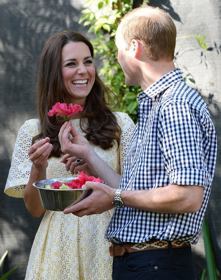 Duke and Duchess of Cambridge Prince William handed his wife a flower while they were in Australia.: