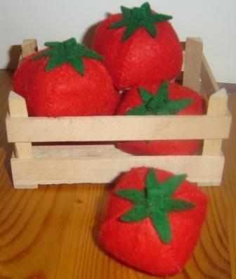 Tomate aus Filz für Kinderküche und Kaufladen
