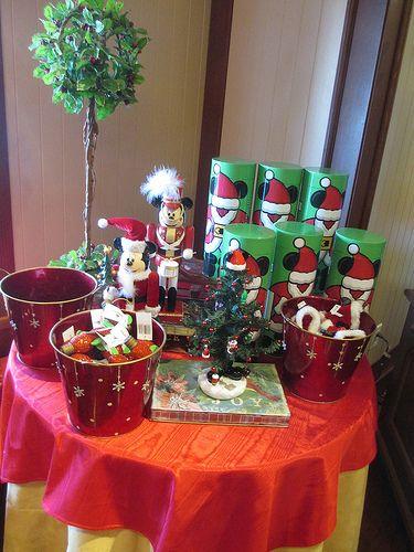 M s de 25 ideas nicas sobre decoraciones de navidad for Adornos navidenos mickey mouse