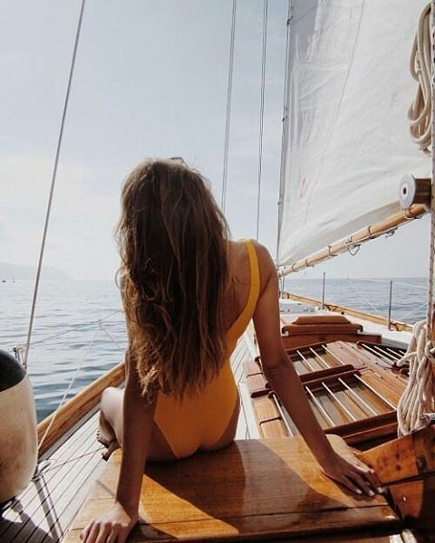 Por gin viernes! Qué planes tenéis para este fin de semana?? Yo quiero uno de estos ya! Pic via pinterest #roadtrip #road #getlost #instapic #travelgram #holiday #gobig #boat #instapic #slowwedding #summer #dreamtravel #honeymoon #viajeenpareja #trip #lunademiel #escapada #viajedenovios #couple #pareja #love #romantictrip #amor #justmarried #safari #shesaidyes #travelinspo #bridesmaid #reciencasados http://gelinshop.com/ipost/1523094369107077684/?code=BUjHkJOBmo0
