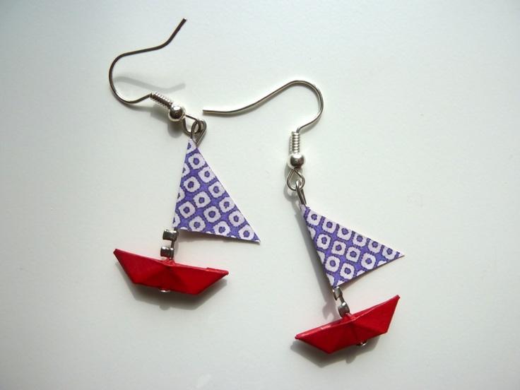 """boucles d'oreilles """" petits bateaux"""" rouge et violet"""