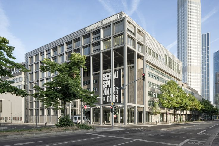 Gallery of Städtische Bühnen Theatre Workshops / gmp architekten - 1