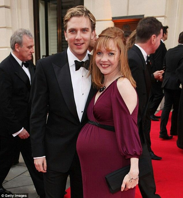 Dan Stevens and his wife, Susie Hariet ♡