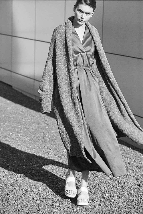 Купить ПЛАТЬЕ С ВОРОТНИКОМ и запахом из коллекции «Resort 2016» от Lesel (Лесель) российский дизайнер одежды