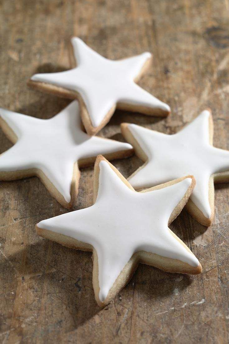 Simple Cookie Glaze Recipe. 2 1/4 cups confectioners' sugar, sifted 2 tablespoons light corn syrup 1 to 2 tablespoons plus 1 teaspoon milk Food coloring (optional)