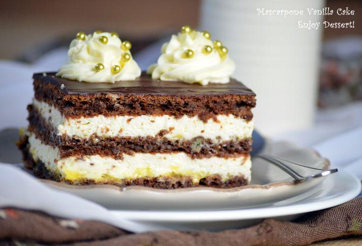 Cake with vanilla cream and mascarpone