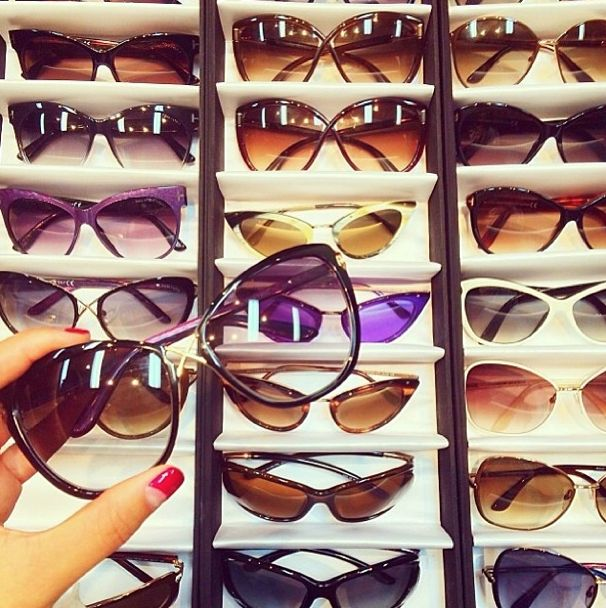 So many amazing Tom Ford styles coming to Sunglass Connection next week! Sneak peek as @Gary Meadowcroft Pepper looks through the amazing styles xx // #garypeppergirl #sunglasses #style #fashion #accessories #tomford xx