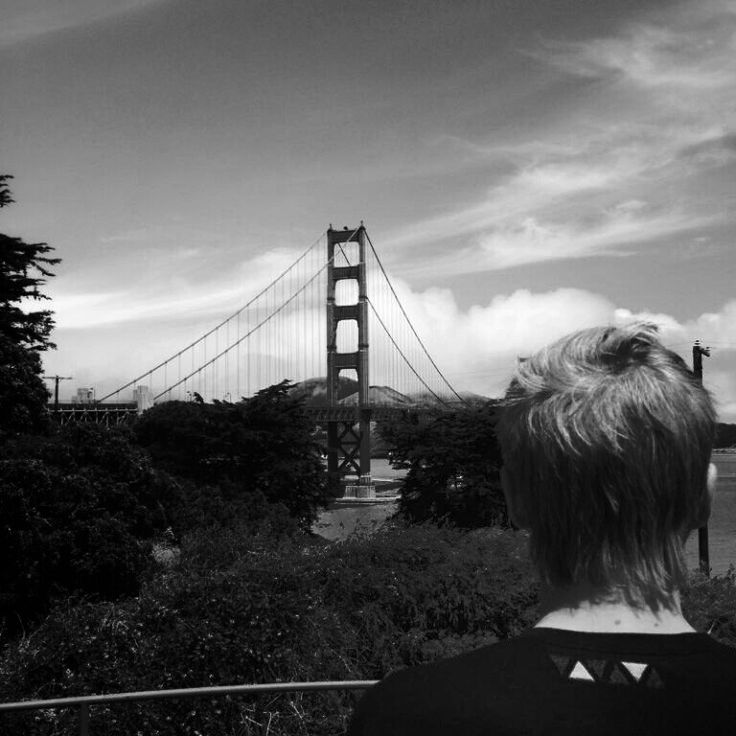 Golden Gate Bridge  Stay tuned for the new Labelless tee dropping next season #labellessgallery #fashion
