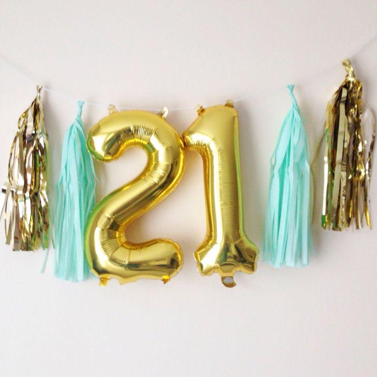 Doğum günü kutlamalarında renkli doğum günü balonları için bir çok alternatif bulunuyor. Doğum günü süslemeleri, çocuk doğum günü kutlamaları...