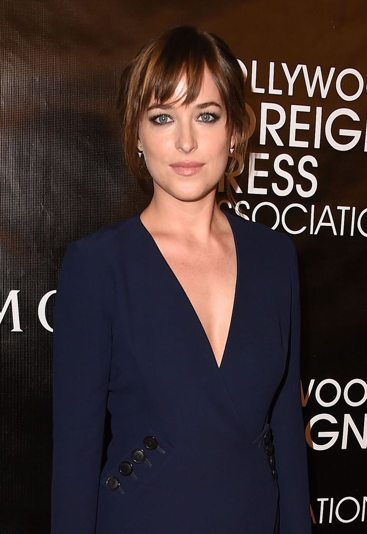 The After-Dark Appeal of a Steely Gaze: Dakota Johnson Brings Back the Wraparound Charcoal Eye