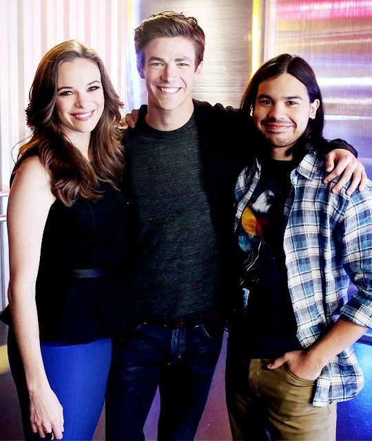 #TheFlash cast - Danielle Panabaker, Grant Gustin, Carlos Valdes