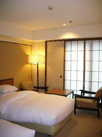 Rihga Royal Hotel Kyoto (my room)