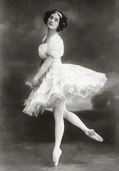 Старые открытки балерина, днем семьи