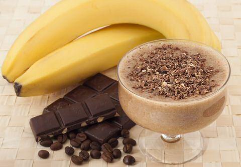 3 lekkere chocolade smoothie recepten: feestelijk met chocolade ijs, voor de slanke lijn met chocolade sorbet en helemaal gezond met alleen de beste ingrediënten.