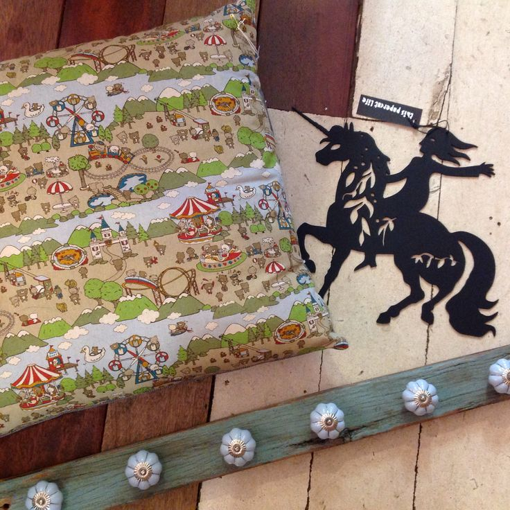 Tween bedroom accessories or perhaps for little girls too! Cushions, unicorn cutouts and hanging hooks