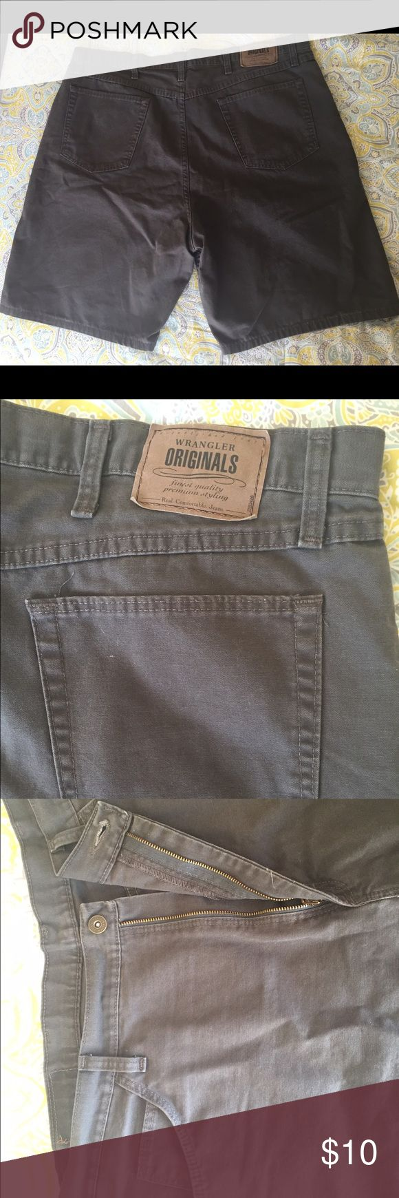Wrangler Originals dark brown shorts for men Wrangler Originals shorts for men. Dark brown. Relaxed fit. Size 40. 5 pocket. Very good condition. Wrangler Shorts Flat Front