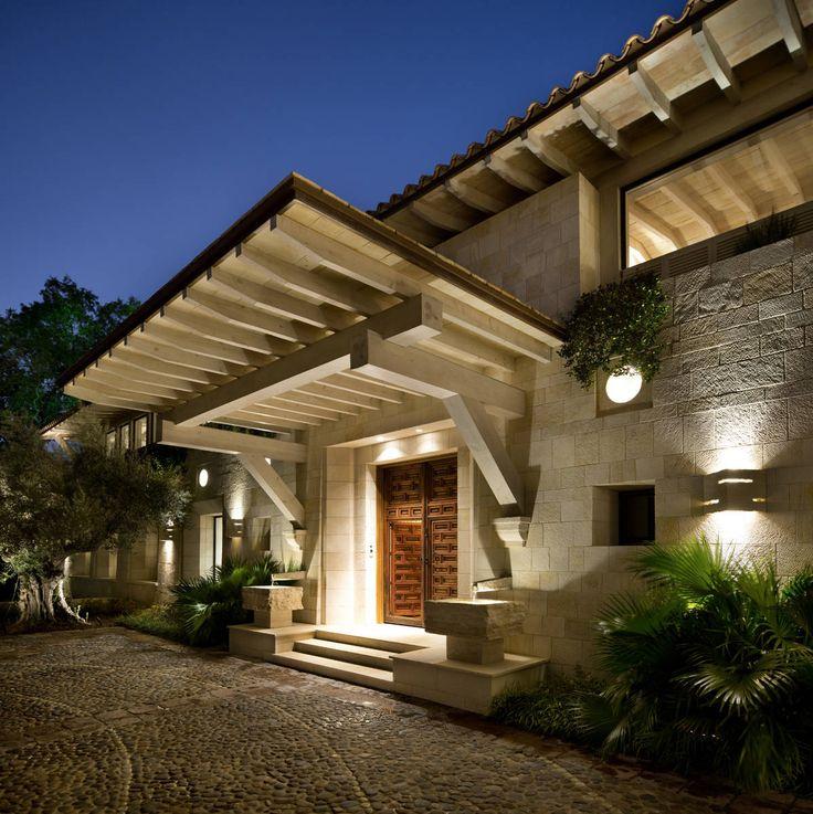 Entrada: Puertas y ventanas de estilo Rústico por Artigas Arquitectos