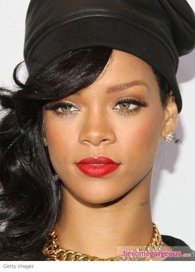 Rihanna-cat-liner-røde lepper-makeup-becomegorgeous