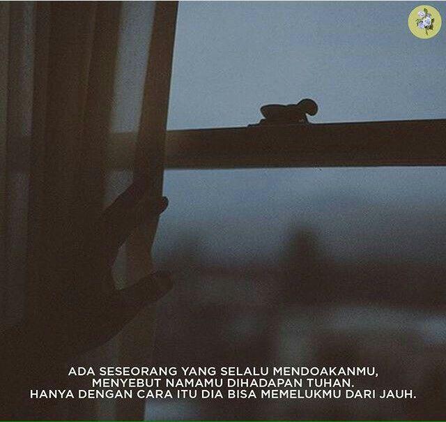 Meski kau memeluk dan menyebut namanya dalam doamu.