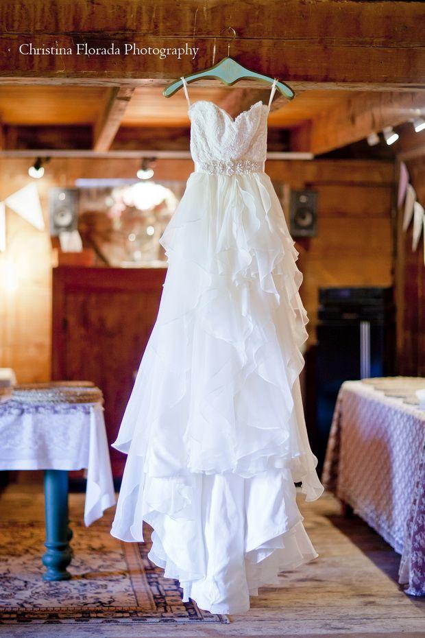 Rustic Fall Wedding Inspiration: Celia and Joe | http://www.tulleandchantilly.com/blog/rustic-fall-wedding-inspiration-celia-and-joe/