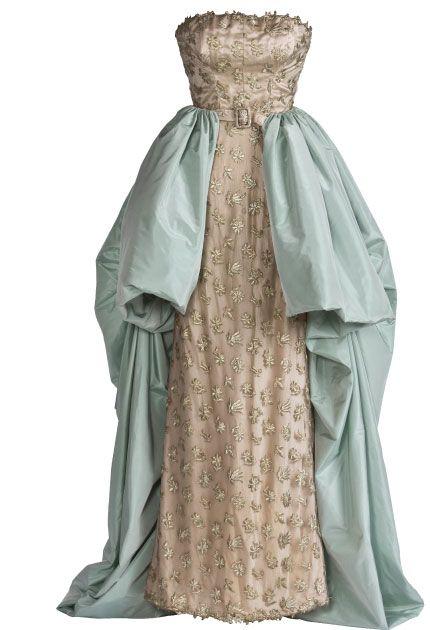 Balenciaga evening dress, 1951 From the Cristóbal Balenciaga Museoa