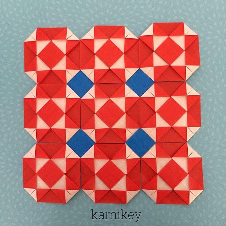"Aug .21. 2015 オリガミモザイク、パーツ13枚使います😃折り方はYouTube の「kamikey origami 」チャンネルにて!😄パーツはシンプルなのでオリジナルかどうか?です(;^_^A *  Origami Mosaic tutorial on my YouTube channel ""kamikey origami "" * #origami#折り紙#ハンドメイド#ペーパークラフト"