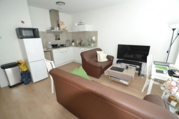 25 beste idee n over een kamer appartement op pinterest studio kelder appartement decor en - Kamer heeft een mager ...