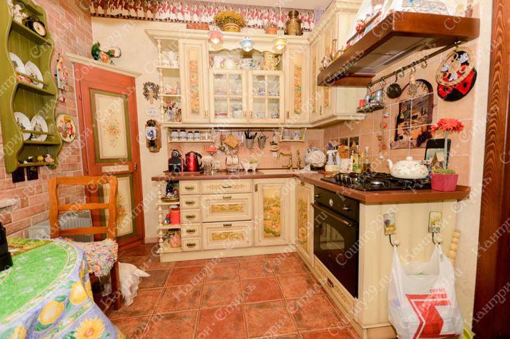 Кухня в стиле кантри. Натуральное дерево. Массив сосны.