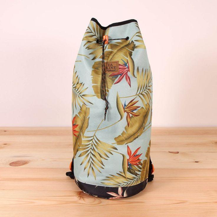 Torba plecak Dakine Beach Bum 27l - Palmint. Pływasz na kite/wake? Ta torba jest idealnym rozwiązaniem. Zmieścisz w niej nie tylko szorty i ręcznik :)   / www.brandsplanet.pl / #dakine