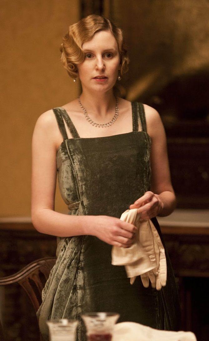 Lady Edith Crawley (green velvet)