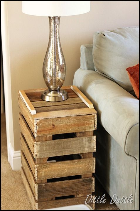 Side table made from palletsSide Tables, Pallets Wood, Wooden Pallets, Pallets Furniture, Pallet Side Table, End Tables, Pallets Ideas, Night Stands, Crafts