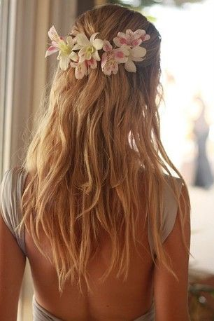 add a little more curl to this and it's perfect for my wedding hair and if only my hair was longer!