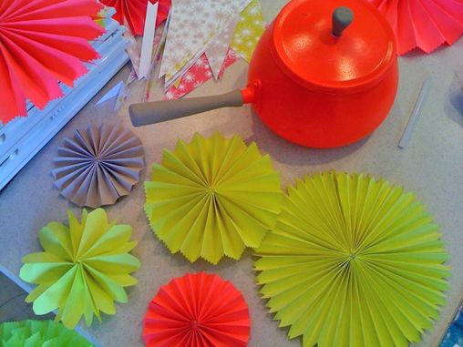 Folding neon party decorations