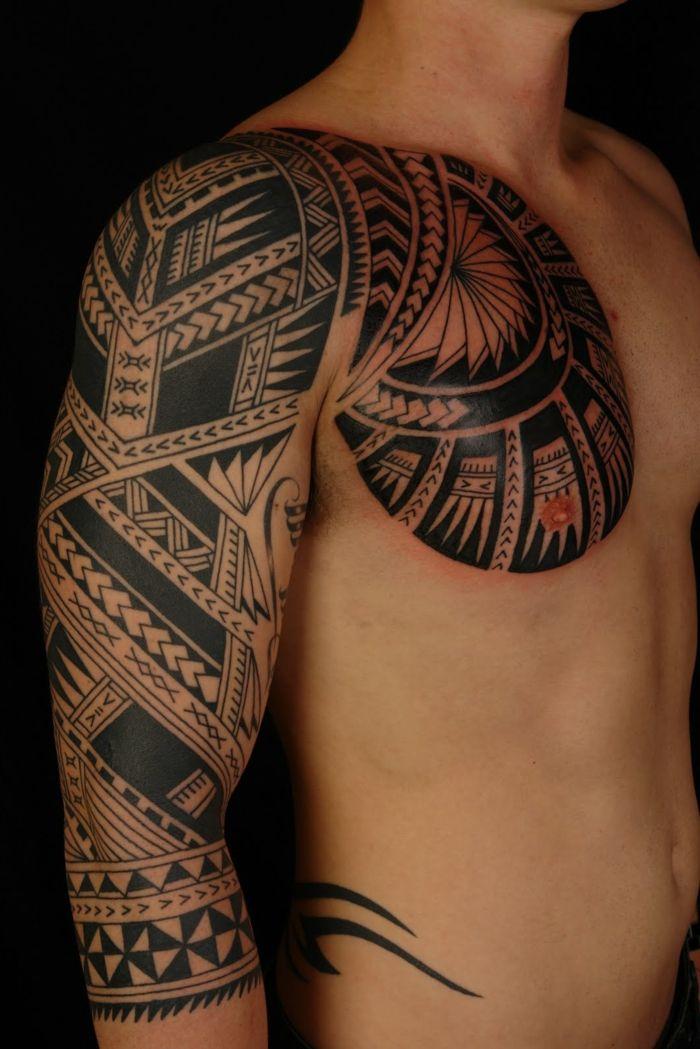 tatuajes fetiche pecho