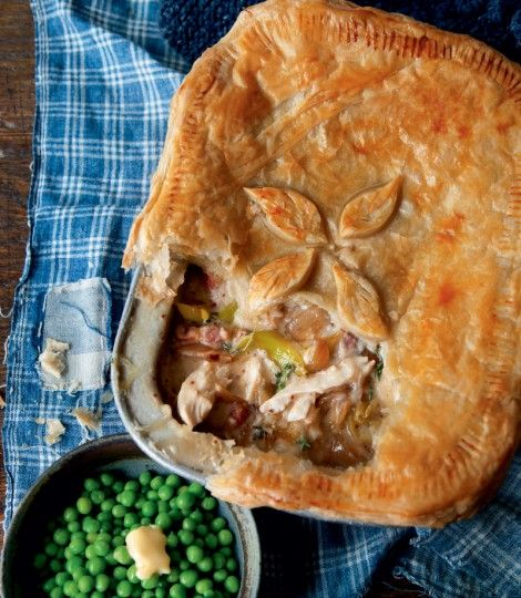 Creamy-chicken,-leek,-bacon-and-thyme-pie