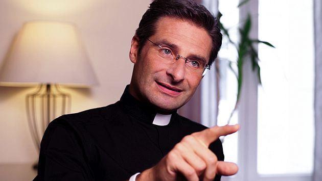 """Krzysztof Charamsa """"La Iglesia no mata gays como el ISIS pero los mata psicológicamente"""""""