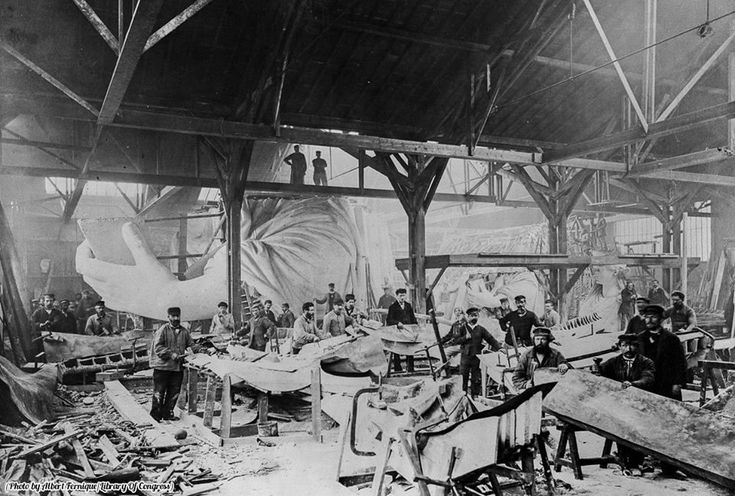 History In Pictures on Twitter The Statue of Liberty under construction in the workshop of French sculptor Frederic Auguste Bartholdi Paris 1882.